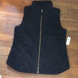 NWT Old Navy Black quilted fleece vest sz S